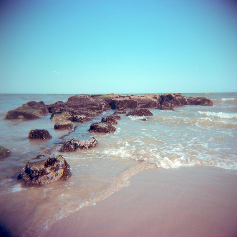 holga-beach-rocks