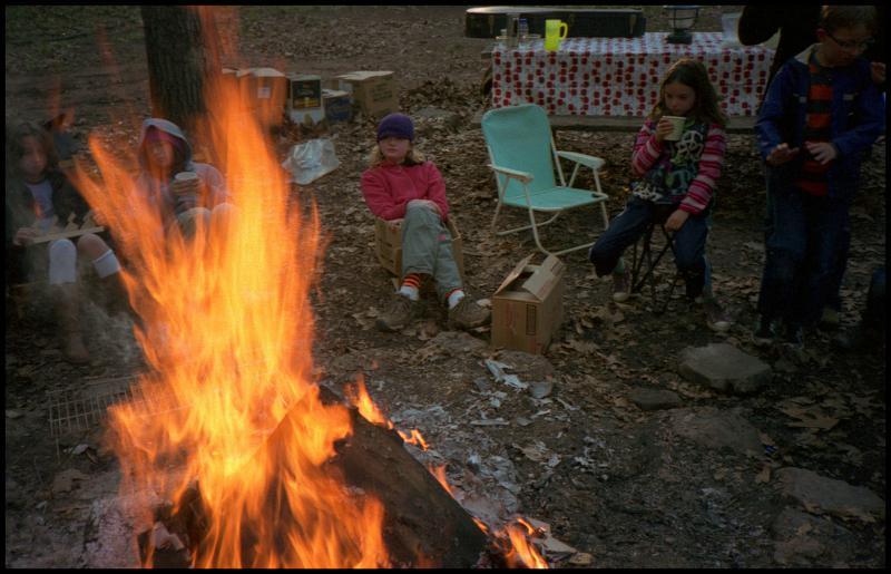 kids-campfire