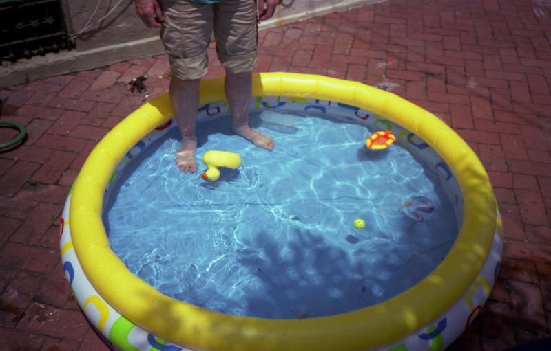 sidewalk-pool